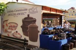 Keramiktillverkning i ett traditionsrikt område.